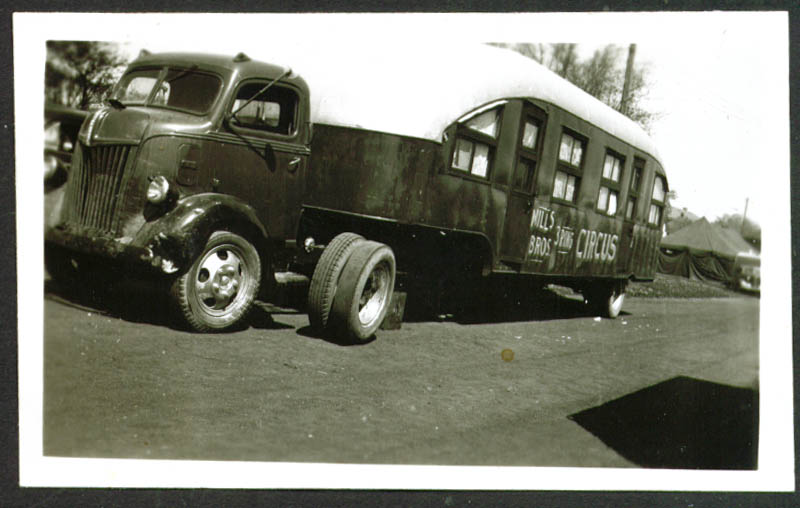 Image for Ford Sleeper Truck Mills Bros Circus Frankfort IN 1948