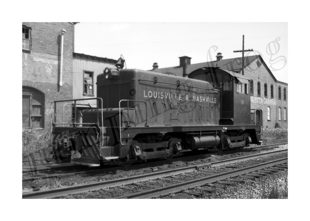 Image for Louisville & Nashville diesel locomotive #11 5x7 Chair Co