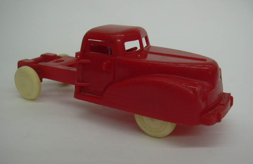 Image for Renwal red plastic truck, no trailer, missing a door; for parts 1950s